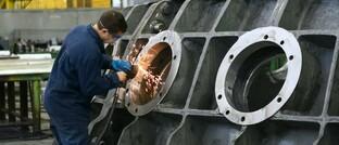 Arbeitnehmer in Metallindustrie