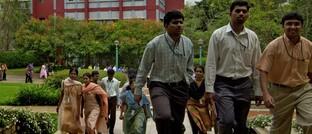 Softwareentwickler in Bangalore auf dem Weg zur Arbeit