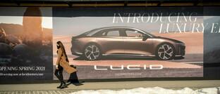 Werbung für die US-Elektroautofirma Lucid in New York