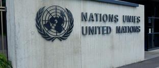 Emblem und Schriftzug der Vereinten Nationen