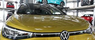 Volkswagen ID.4 im Auslieferungsturm