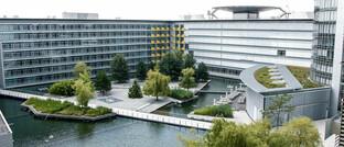 Innenhof der Unternehmenszentrale im Business Tower Nürnberg, dem zweithöchsten Bürogebäude Bayerns
