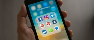 Social-Media-Apps auf einem Smartphone
