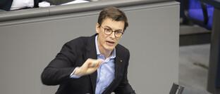 Kai Whittaker (36) bei einer Rede im Deutschen Bundestag