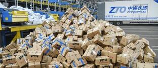 Verteilerzentrum des chinesischen Paketdienstes ZTO Express in Changzhou. Chinas Marktführer hat mit seinem ersten ESG-Report die Branche wachgerüttelt.