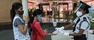 Nach dem Lockdown jüngst wiedereröffnete Shopping-Mall im Osten Indiens