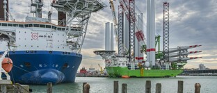 Errichterschiffe für Offshore-Windkraftanlagen