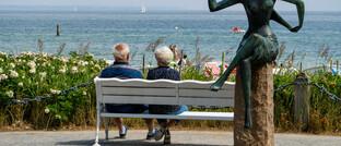 Touristen am Timmendorfer Strand