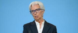 EZB-Chefin Christine Lagarde erklärt den neuen Strategieansatz