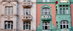Altbau-Fassaden in Köln