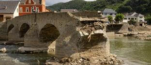 Von der Flut zerstörte Brücke in Rech, Rheinland-Pfalz
