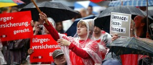 Unterstützer der Bürgerversicherung bei einer SPD-Wahlkampfveranstaltung 2005