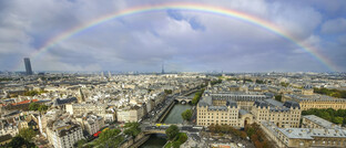 Regenbogen über Paris