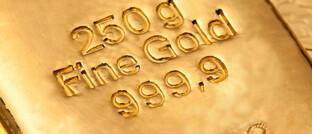 Goldbarren mit Prägung