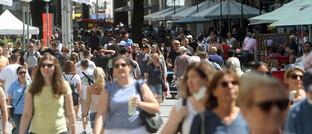 Menschen in der Innenstadt von München