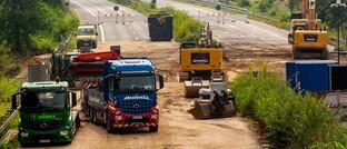 Gesperrte Autobahn 1 in Höhe Erftstadt, die wegen Schäden nach der Flutkatastrophe im Juli erneuert werden muss