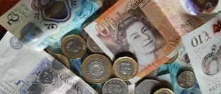 Pfund-Scheine und -Münzen